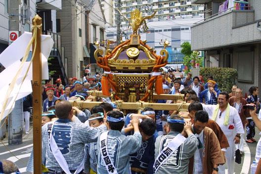 白髭(しらひげ)神社例大祭