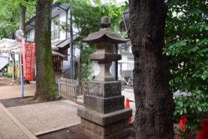 神明氷川神社 燈籠