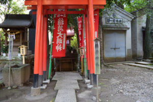 東中野氷川神社 境内神社 稲荷神社