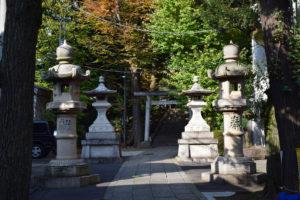 東中野氷川神社 南参道 灯籠