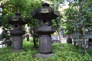 東中野氷川神社 燈籠