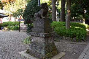東中野氷川神社 西側参道 狛犬左