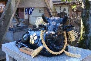 新井北野神社 撫で牛