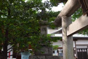 上高田氷川神社 燈籠右