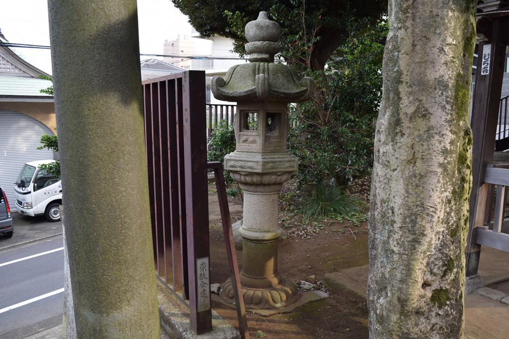 上高田氷川神社 燈籠左