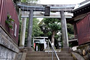 上高田氷川神社 鳥居